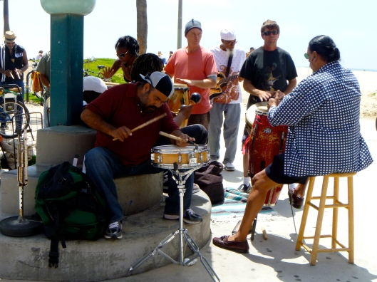venice beach entertainment