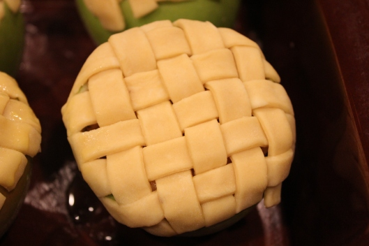 woven pie crust via Tsiporah Blog