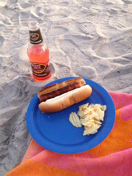 Beach BBQ in California | via Tsiporah Blog